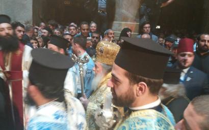 Крестный ход, во главе патриарха Иерусалимского Феофила